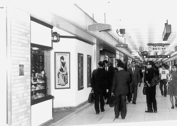 レストラン「夢二一番街店」(1974[昭和49]年)