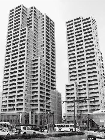 「グレースタワーⅡ」竣工で、ツインタワー完成(2006[平成18]年)